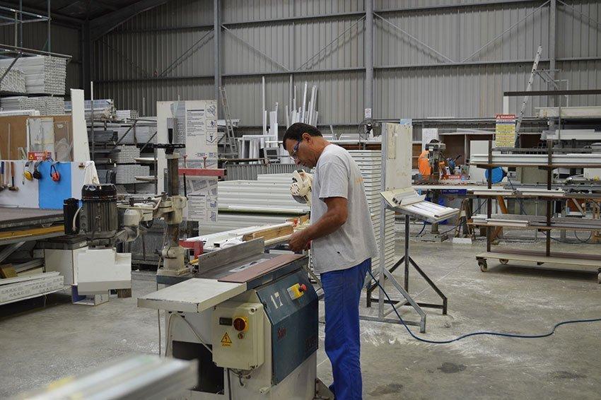 Recrutement - Personne en train de travailler à l'atelier - Batical - 40 ans d'innovations