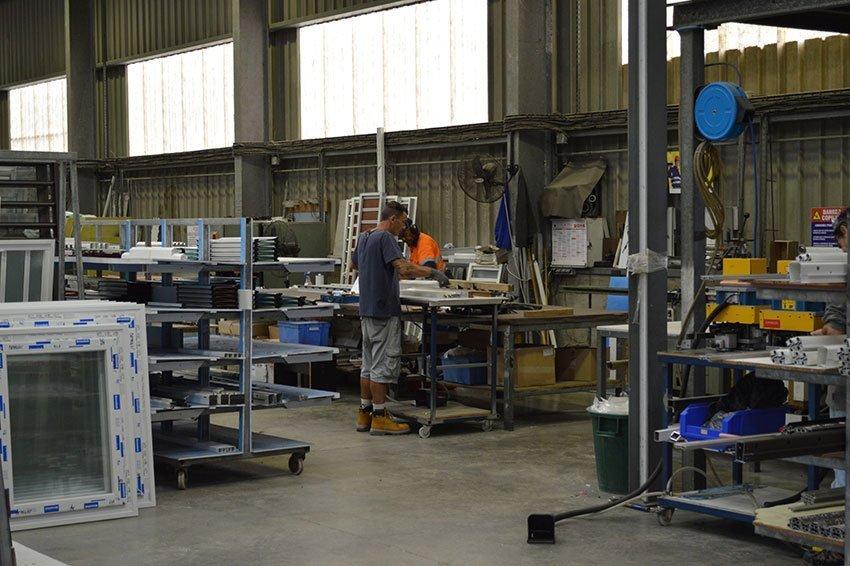 Personne en train de travailler à l'atelier - Batical - 40 ans d'innovations