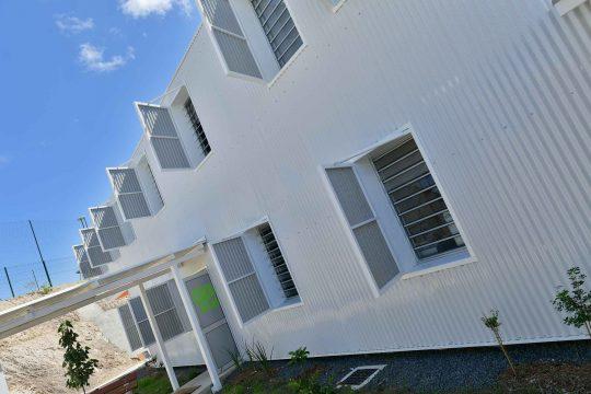 Batical - Réalisations - Centre social - jalousie aluminium